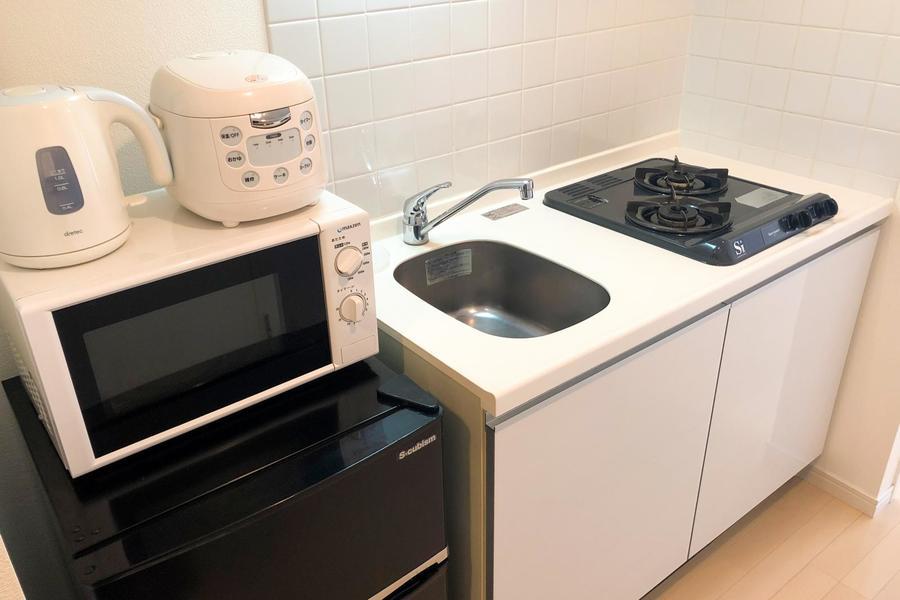 白を基調としたキッチンは清潔感があります