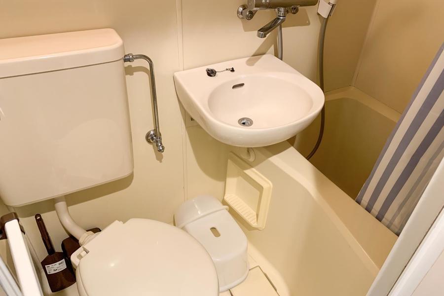 お風呂などの水回りは一箇所に集約したユニットタイプ