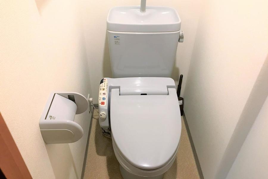 トイレの淡い色が優しい印象を与えます