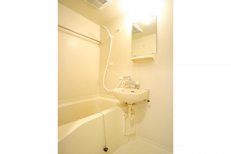 便利な浴室乾燥機能付き。お天気を気にせずお洗濯物ができます