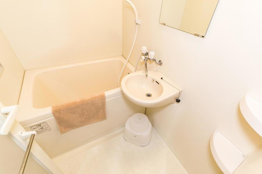 癒やしのバスルーム。嬉しい浴室乾燥機能付き