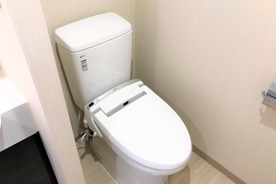 お手洗いはセパレート式。衛生面も安心です