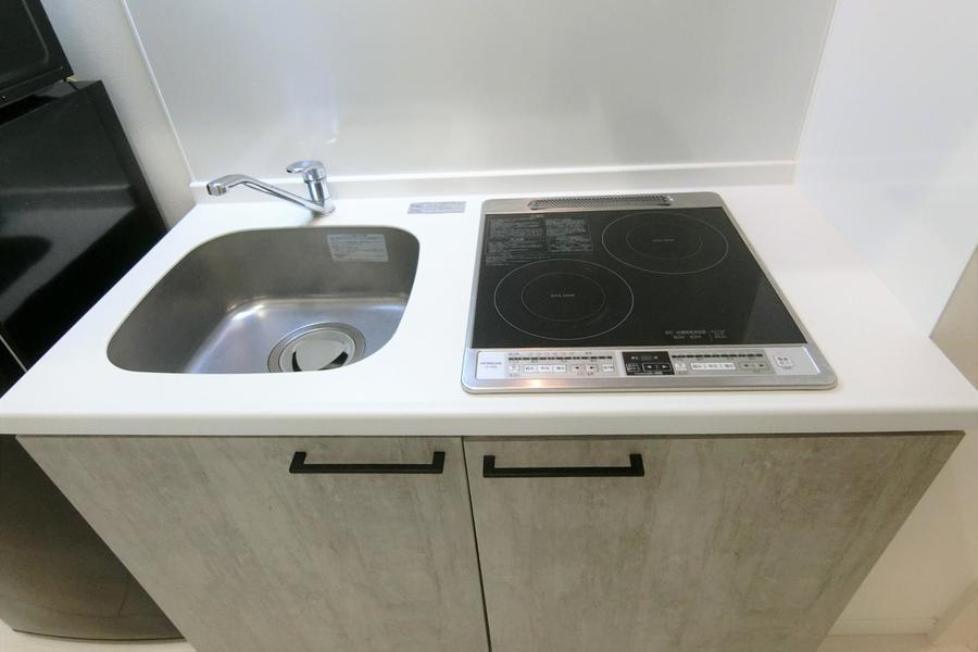 キッチンは火災の心配が少ないIHタイプ。お料理にも便利な2口タイプです