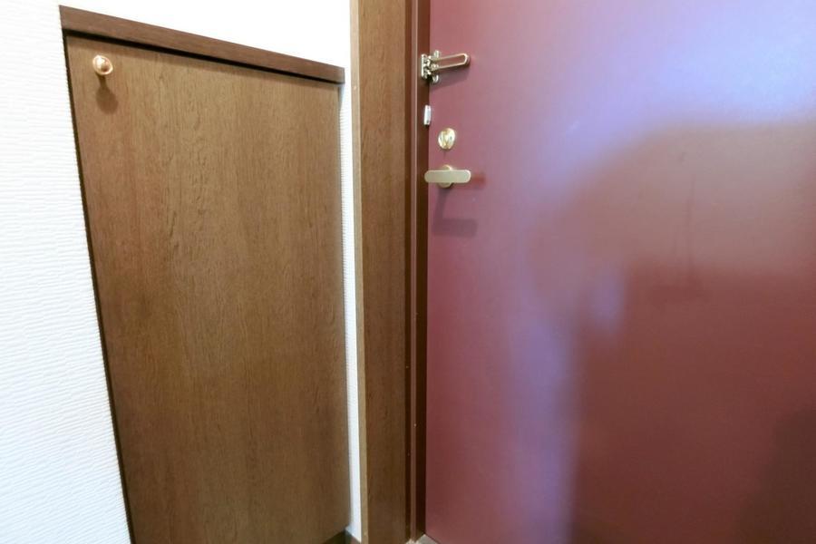 玄関先にはたっぷり収納できるシューズボックス完備。