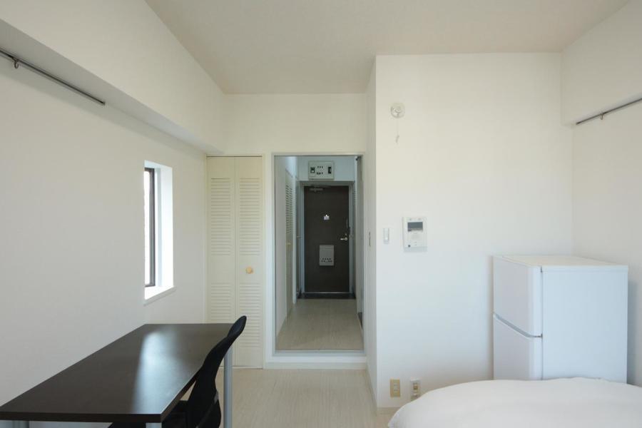 玄関から部屋まで一直線。