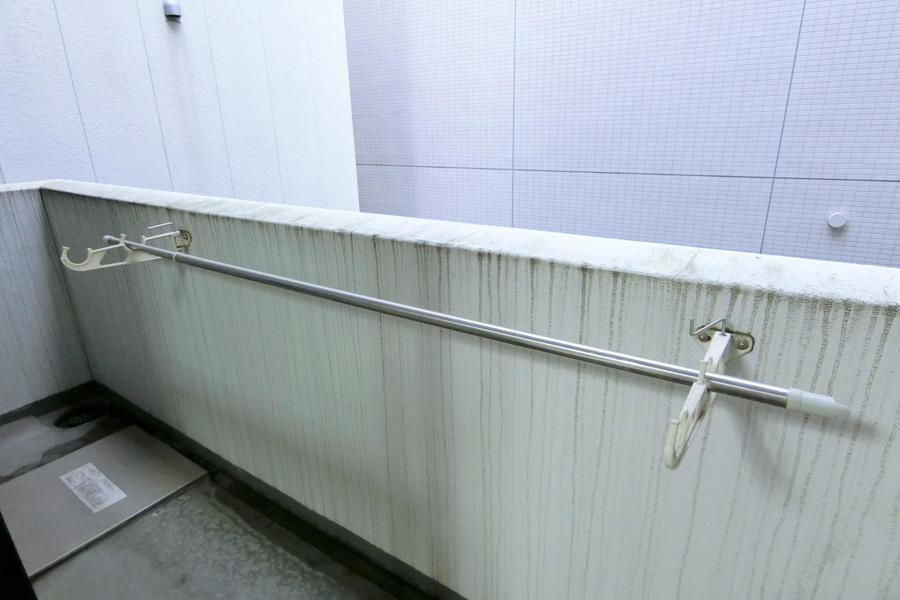 洗濯物は外に干して乾かすことができます!