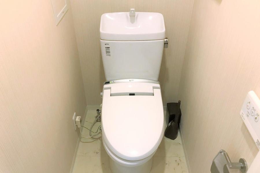 お手洗いは人気のセパレートタイプ