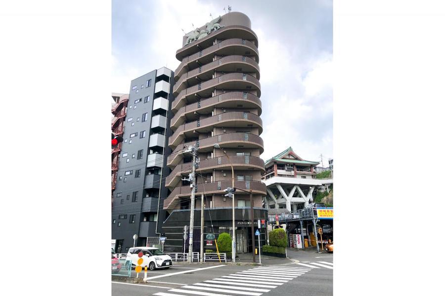 京急本線・神奈川駅より徒歩2分。駅近物件をお探しの方必見です