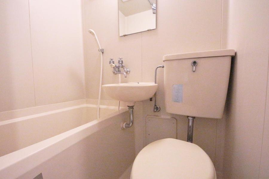 水回りはユニットバスタイプ。お掃除の時にとっても便利です。