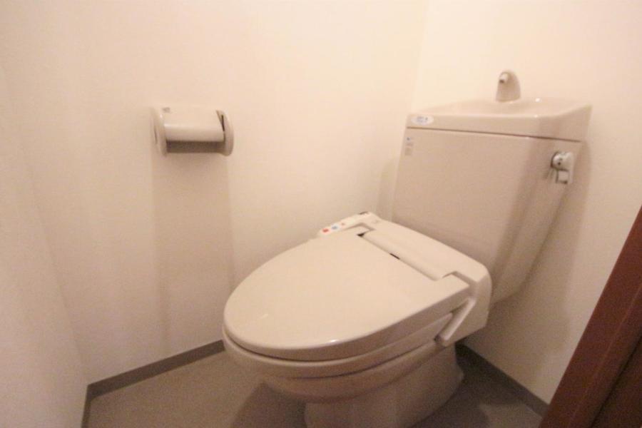 ウォシュレット付きのトイレです!!!
