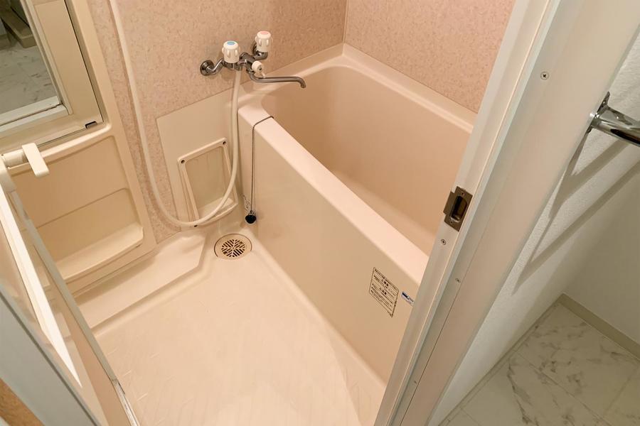 毎日の疲れを癒やすバスルーム。浴室乾燥機能搭載です