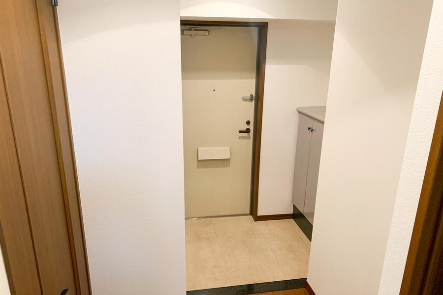 玄関にはシューズボックスが設置。靴も散らからず安心