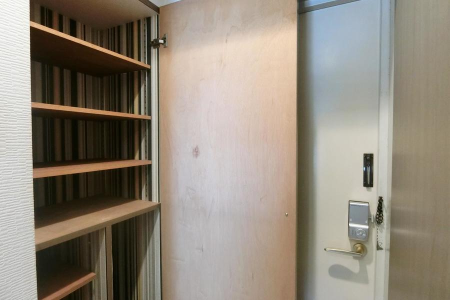 玄関にはたっぷり収納のシューズボックス。