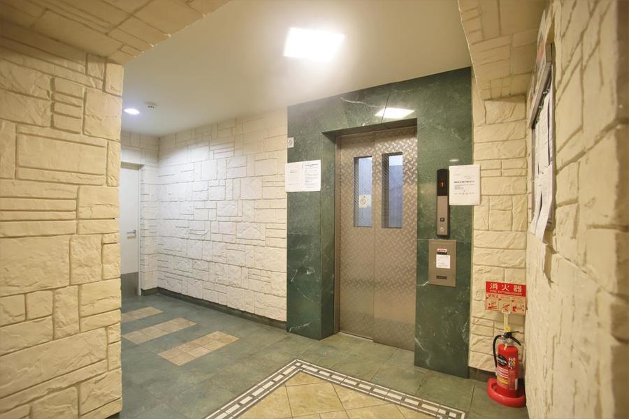 段差なしでエレベーターまで直行できます☆
