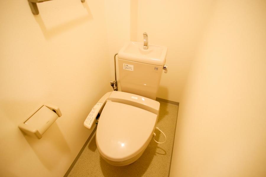 人気のシャワートイレ完備。