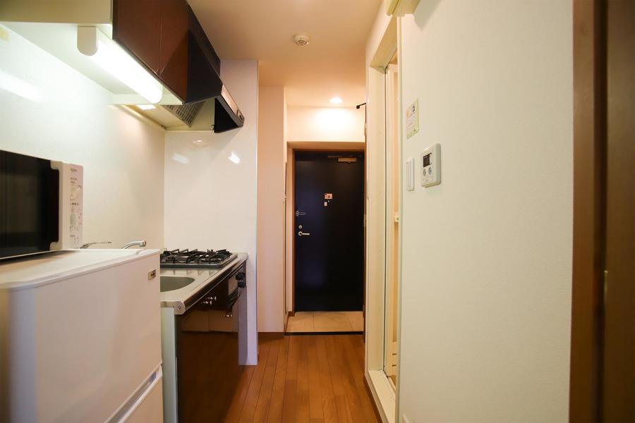 お部屋と廊下は同じフローリング材を使用し、統一感があります。