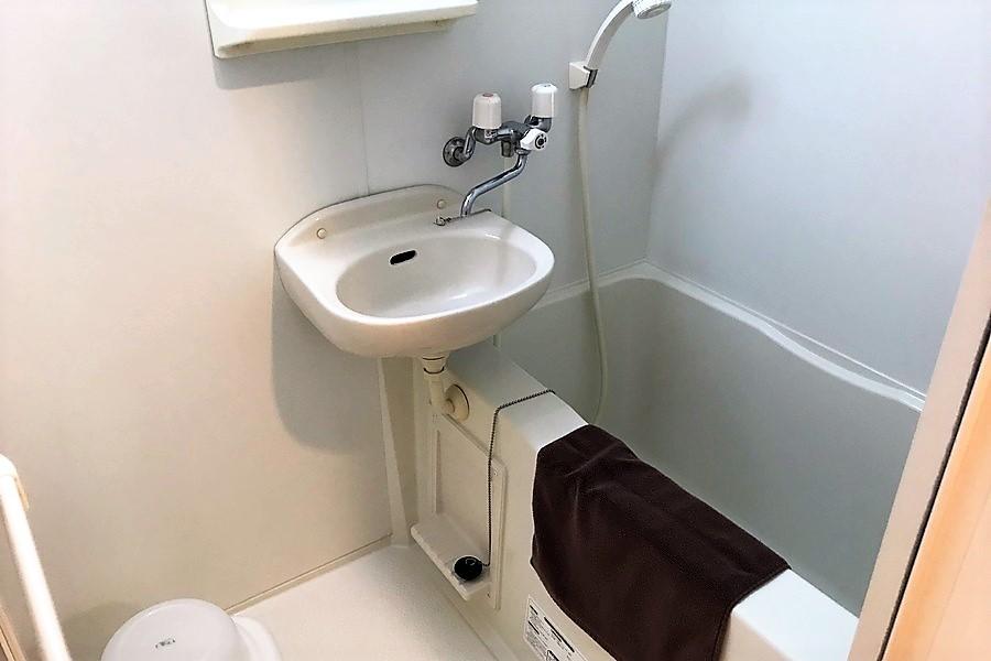 お風呂は浴室乾燥機能付きの優れもの! 急ぎのお洗濯物も安心です