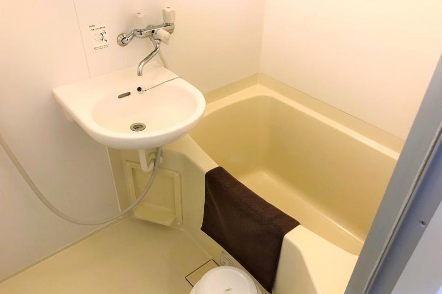 淡い色合いが心安らぐバスルーム