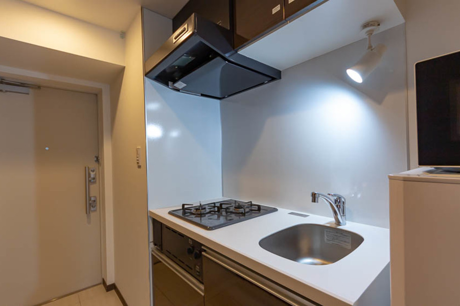 広くて清潔なキッチン。