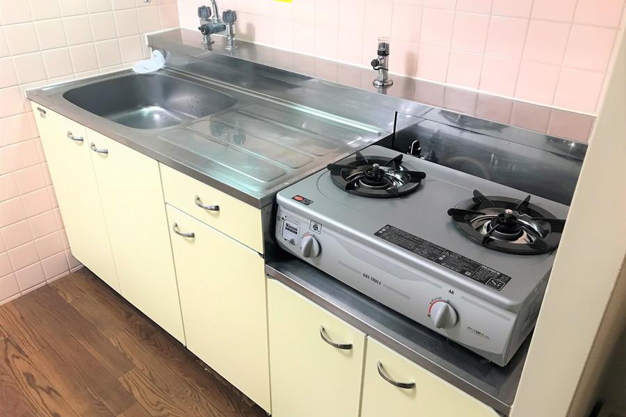 二口ガスコンロ搭載で料理がしやすいキッチンです