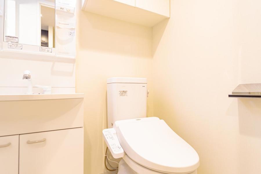 温水洗浄機付きトイレは嬉しいですね!もちろんバス、トイレ別です。