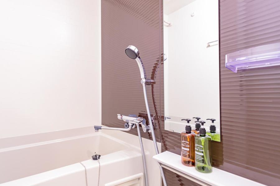 シンプルに纏まったバスルームは日々の疲れを癒せますよ。