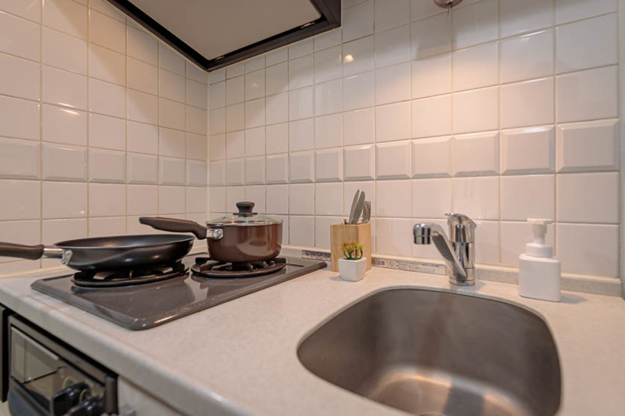 白を基調にした清潔感のあるキッチンです。