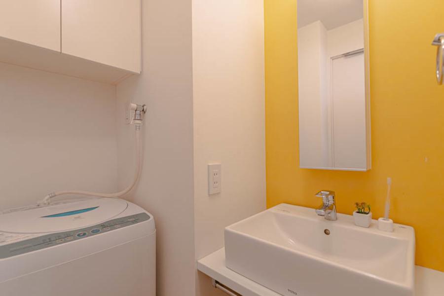 洗濯機完備の独立洗面所となります