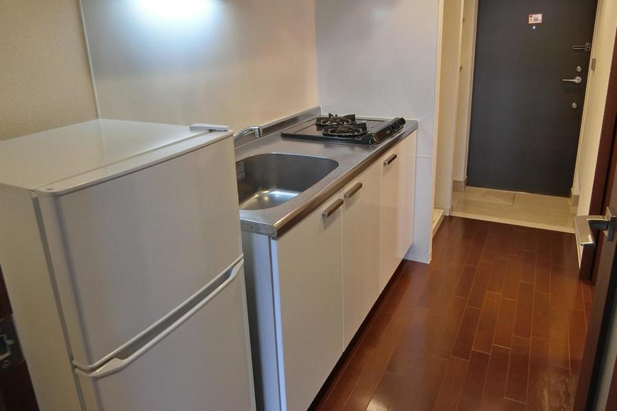 キッチンは2口コンロと大きめなシンク