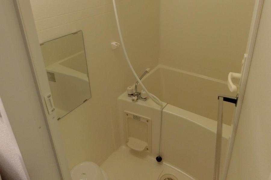 バスルームはしっかりお湯を貯めてあたたまることが出来ます!