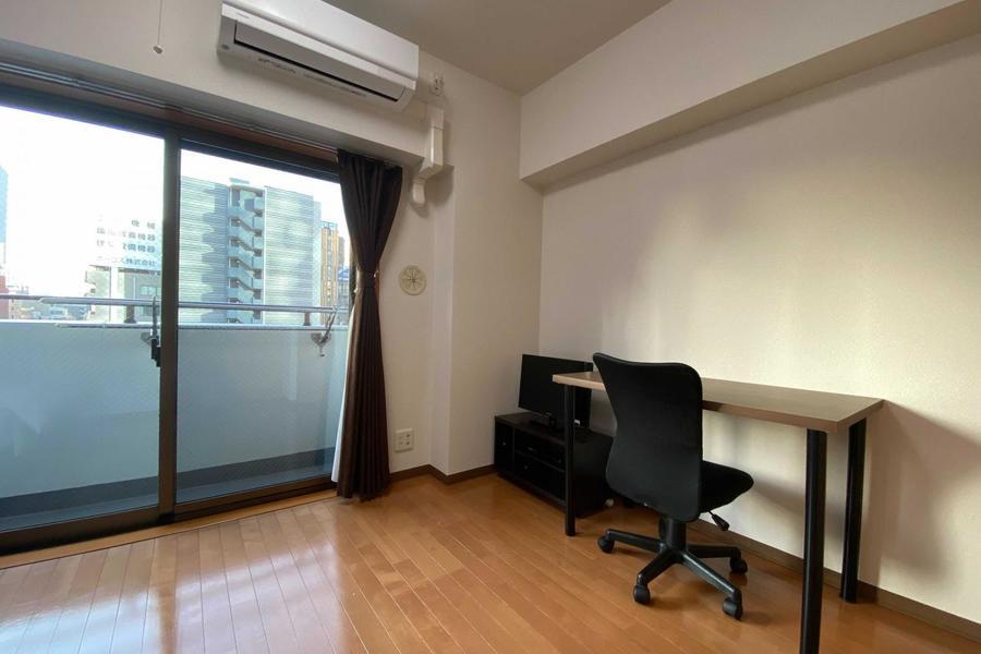 大きな窓がでとても過ごしやすいお部屋です。