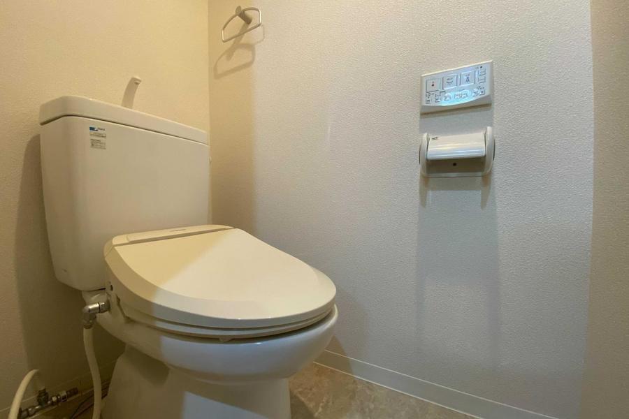 トイレは温水洗浄機付きです