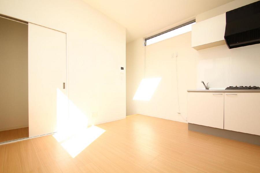 現在、家具未設置のため、仮の家具なしのお部屋の画像を掲載させていただいております。