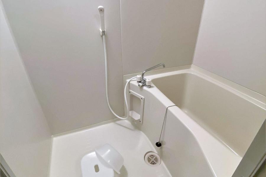 バス、トイレ別で、ゆっくりとお風呂に浸かる事もできますね♪