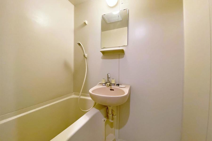 お風呂はトイレとセパレートタイプ