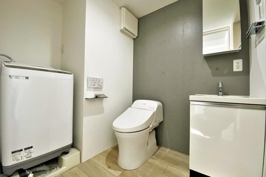 独立洗面台、洗濯機も完備となります。