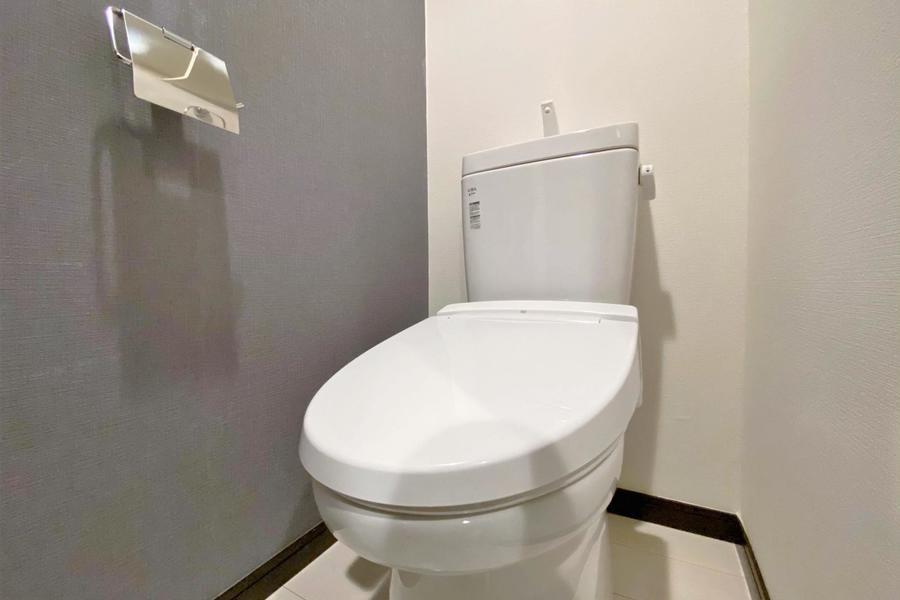 個別のトイレは温水洗浄機付きとなります