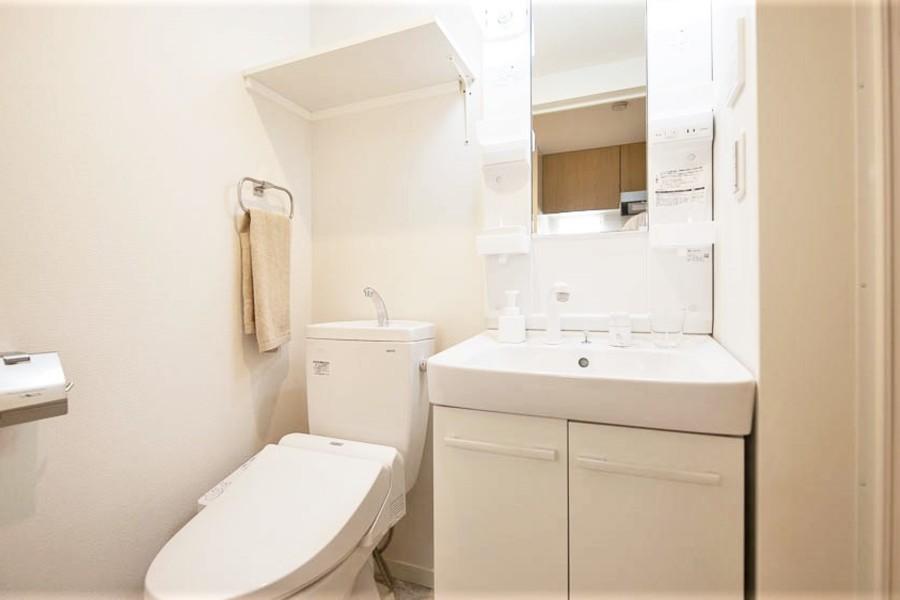 実はこの洗面台、シャワータイプで蛇口が伸びます!!!!