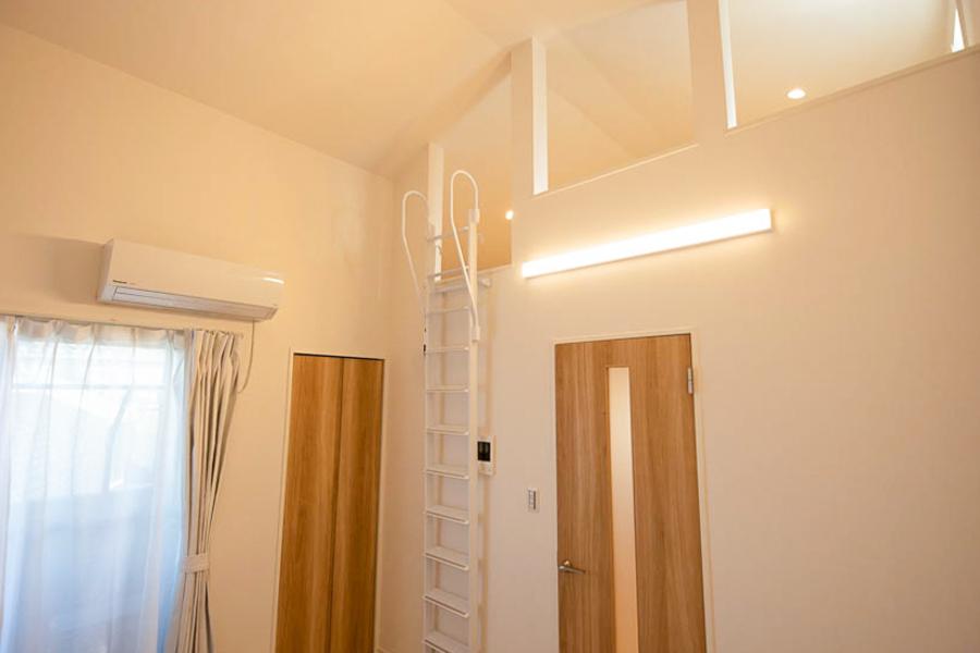【Aタイプ】天井はこんなに高く、広々しています☆