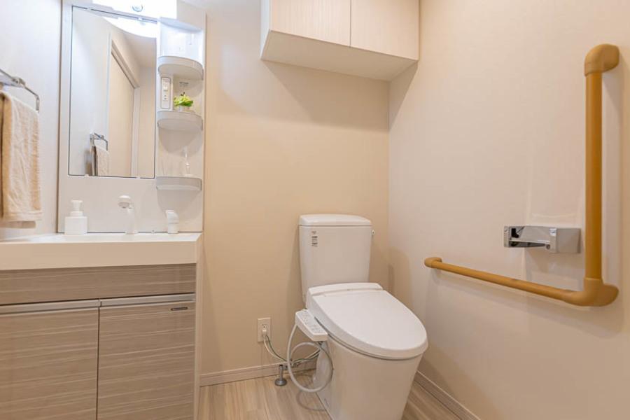 【Aタイプ】洗面台とウォシュレット付きトイレ