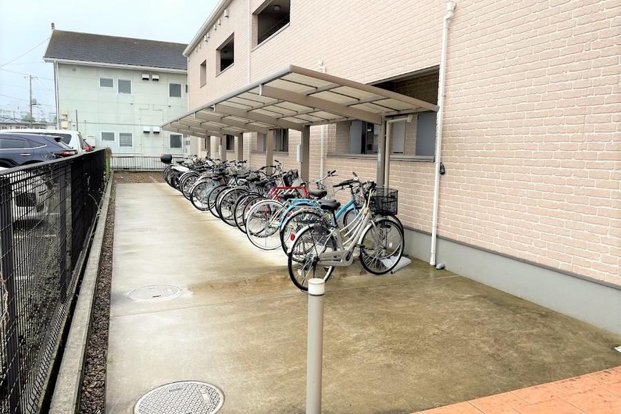 敷地内には駐輪場もあります(※ご利用希望の場合はお問い合わせください。)