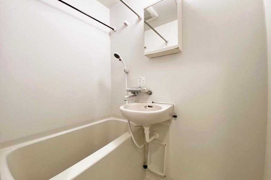 トイレ、バスは別の物件です。