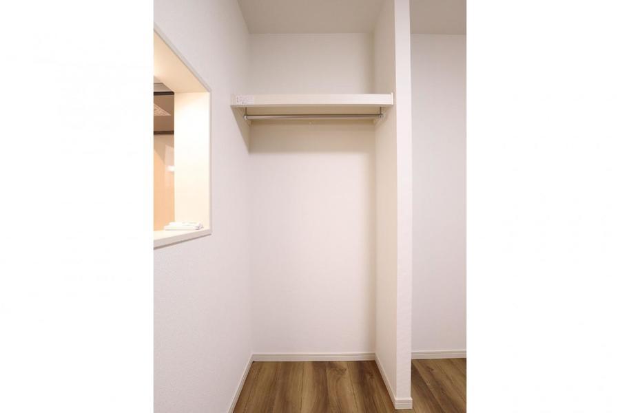 居室のオープンクローゼット