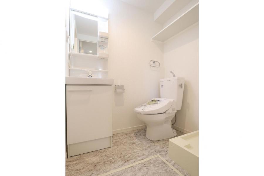 独立洗面・トイレ・洗濯機置き場が一つになったサニタリースペース