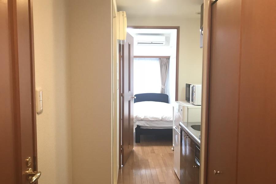 プライバシー確保や室温管理には仕切り扉が役に立ちます