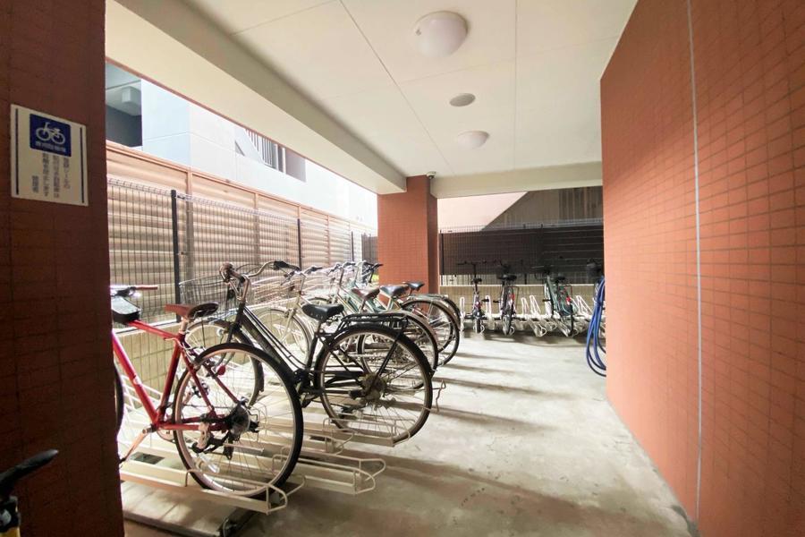 専用駐輪場あり