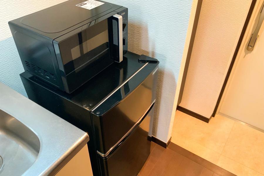 冷蔵庫や電子レンジなどお料理時に欠かせない家電たちは手の届くところにセッティング