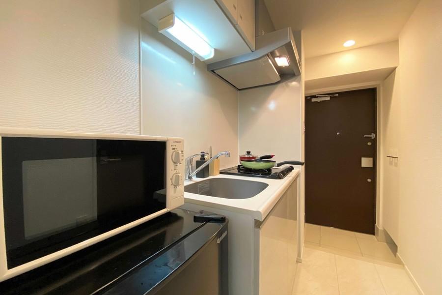 キッチン、廊下