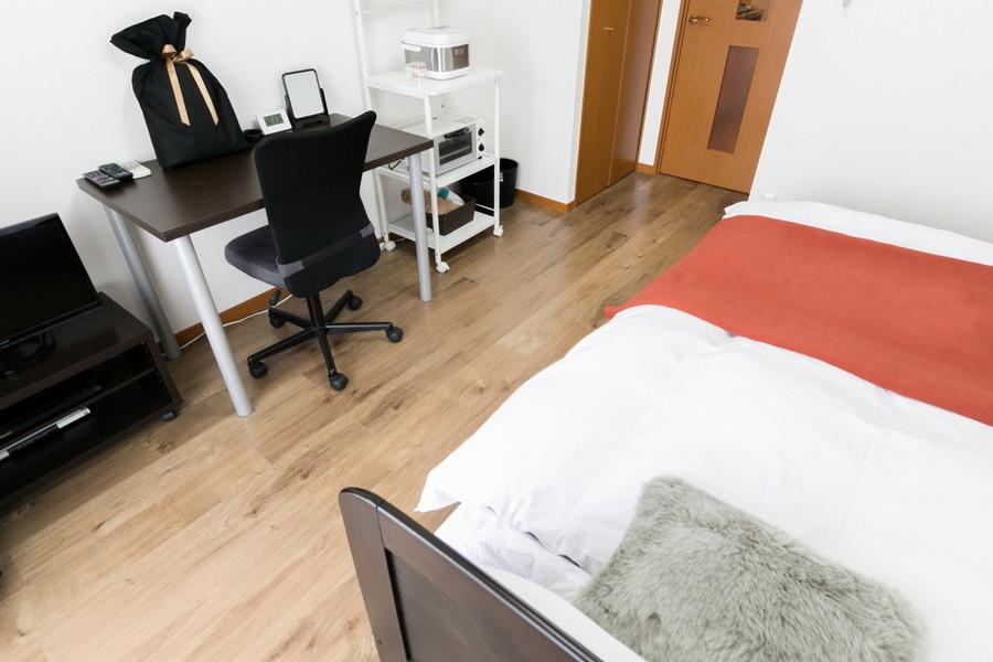 ベッドなどの家具類を置いてもゆとりのある広さです