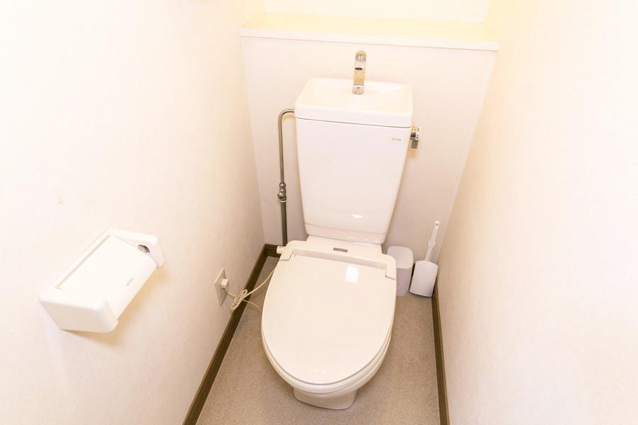 清潔感あるトイレは人気のセパレートタイプ
